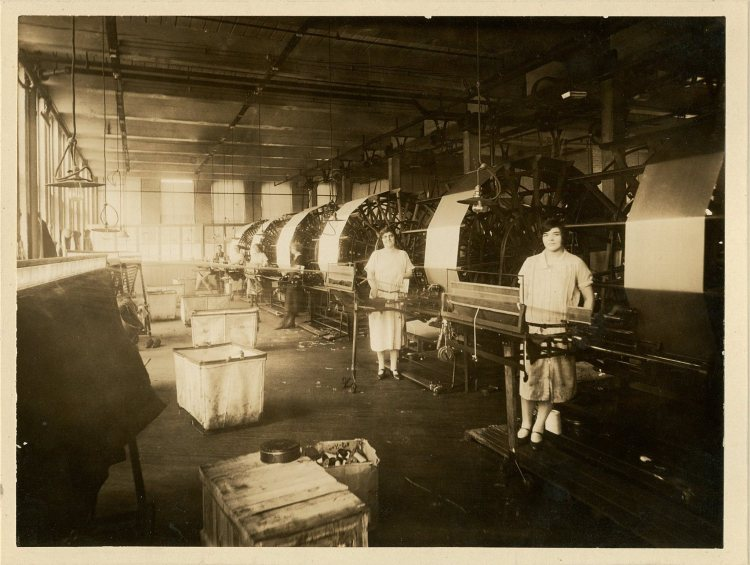 Fabric Looms 1917_923-001